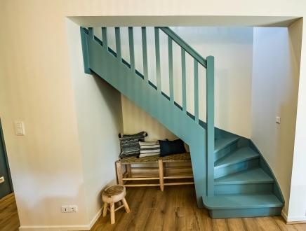 Escalier bleu décoration maison du moulleau